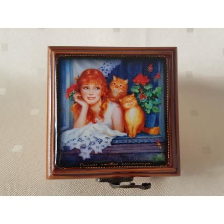 """Maľovaná krabička - šperkovnica """"Dievča s mačkami"""", 8x8 cm"""